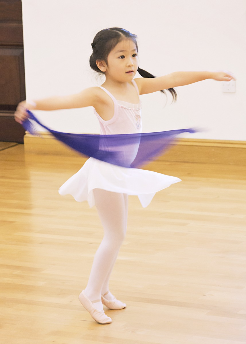 Cobham Ballet Scarf Star Steppers